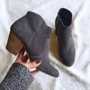 •GAP• Short Ankle Booties.